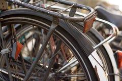 Fahrräder entlang den Kanälen in A Lizenzfreie Stockfotos