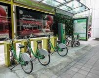 Fahrräder für Miete in Bangkok, Thailand stockbild