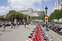 Fahrräder für Miete in Barcelona Lizenzfreie Stockbilder