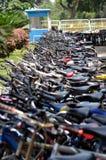 Fahrräder geparkt Lizenzfreie Stockfotografie
