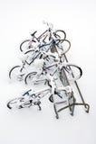 Fahrräder nach dem Schneesturm. Lizenzfreie Stockbilder