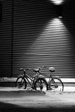 Fahrräder unter Schnee Lizenzfreie Stockbilder