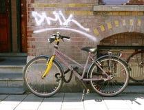 Fahrrad in Amsterdam Lizenzfreie Stockbilder