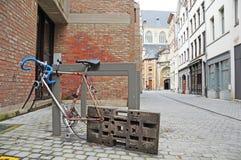 Fahrrad auf der Straße Stockbild