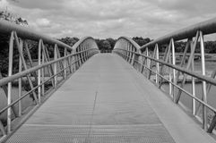 Fahrrad-Brücke Diemen die Niederlande Schwarzweiss Lizenzfreie Stockfotos