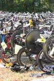 Fahrrad, das am Triathlon wartet Stockfotos
