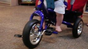 Fahrrad der Kinder stock video footage