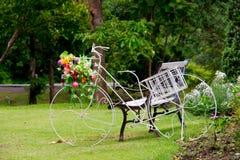 Fahrrad-Garten-Dekor Lizenzfreies Stockfoto