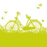 Fahrrad im Gras Stockbild