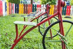 Fahrrad im Spielplatz Lizenzfreie Stockfotos