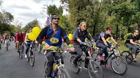 Fahrrad-Parade September 2015 stock video footage