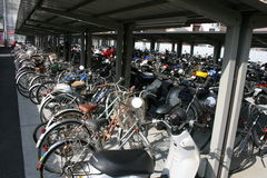Fahrrad-Parken Lizenzfreies Stockfoto