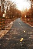 Fahrrad-Spur an der Dämmerung Stockfotos