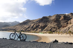 Fahrrad am Strand Lizenzfreies Stockfoto