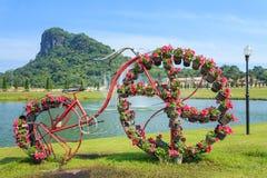 Fahrrad und Blumen Stockbild