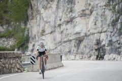 Fahrradfrau - Straßenzyklus Lizenzfreies Stockbild