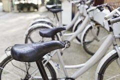 Fahrradhalt in der Stadt Lizenzfreies Stockfoto