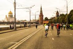 Fahrradparade in Moskau Lizenzfreie Stockfotos