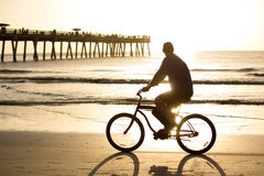 Fahrradreiten Stockbild