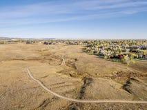 Fahrradspur in Colorado-Grasland Lizenzfreies Stockfoto