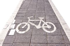 Fahrradstraße singen auf weißem Isolat Stockfoto