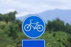 Fahrradzeichen auf der Fahrradweise Stockfotografie