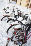 Fahrräder an der Winterzeit Lizenzfreies Stockbild