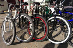 Fahrräder geparkt Stockfotografie
