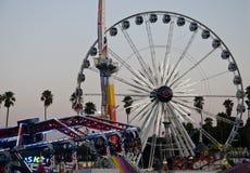 Fahrten bis zum Nacht an der Los Angeles County angemessen Stockfotografie