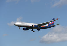 Fahrwerk des Passagier-Passagierflugzeugs a330 Lizenzfreie Stockfotos