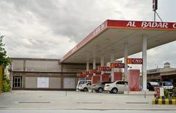 Fahrzeuge an CNG-Station stockbild