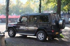 Fahrzeuge und Motoren des Koninklijke-marechaussee, die niederländische Militärpolizei lizenzfreies stockbild