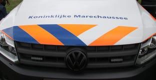 Fahrzeuge und Motoren des Koninklijke-marechaussee, die niederländische Militärpolizei, lizenzfreie stockbilder