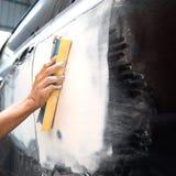 Fahrzeugkarosseriearbeits-Autoreparaturfarbe nach dem Unfall Lizenzfreies Stockbild