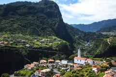 Faial和Penha de A?  guia或老鹰岩石,马德拉岛,葡萄牙看法  免版税图库摄影