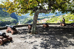 Faial和Penha de A?  guia或老鹰岩石,马德拉岛,葡萄牙看法  库存图片