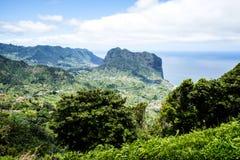 Faial和Penha de A?  guia或老鹰岩石,马德拉岛,葡萄牙看法  免版税库存图片