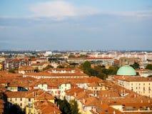 Faible luminosité sur l'horizon de Milan Image stock