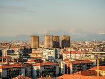 Faible luminosité sur l'horizon de Milan Images libres de droits
