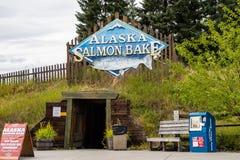 FAIRBANKS ALASKA: Zeichen für alaskischen Salmon Bake lizenzfreies stockbild