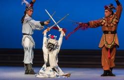 """Fairchild de los ciervos y de la grúa - el  blanco de Opera""""Madame Snake†del segundo acto-Kunqu Imágenes de archivo libres de regalías"""