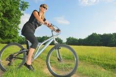 Faire du vélo Photo libre de droits