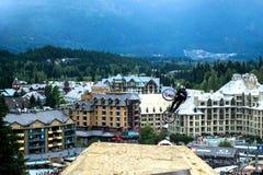 Faire du vélo de montagne de Whistler Slopestyle Image libre de droits