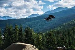 Faire du vélo de montagne de Whistler Slopestyle Image stock