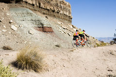 Faire du vélo en monument national du Colorado Photo stock