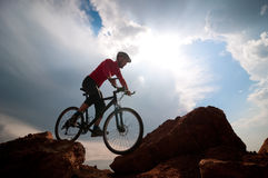 Faire du vélo d'extrémité d'homme Photos stock