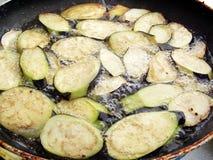 Faire frire l'aubergine Photo libre de droits