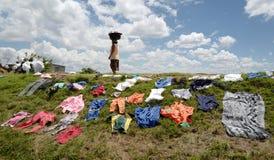 Faire la blanchisserie au Madagascar Photos libres de droits