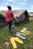 Faire la blanchisserie au Madagascar Images libres de droits