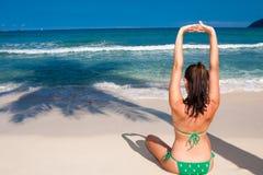 faire le yoga de femme Image libre de droits